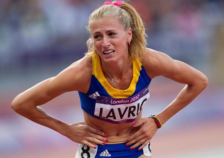 Mirela Lavric reactioneaza la sfarsitul semifinalei de 800m, in cadrul Jocurilor Olimpice de la Londra, miercuri, 8 august 2012. Laura Lavric a terminat pe locul sapte in seria a 2-a semifinala. BOGDAN MARAN / MEDIAFAX FOTO